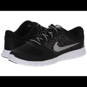 Black Nike Flex 2015 Run Sneakers